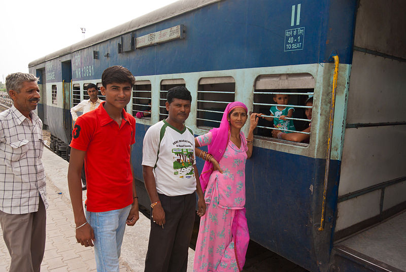 800px-Trains_of_India_05