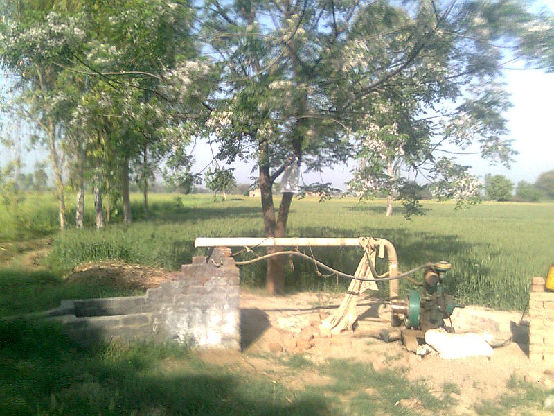 800px-Tube_well_in_Raipur,_Mansa