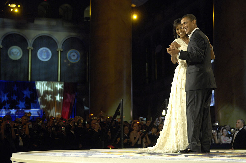 800px-US_Navy_090120-F-9059M-731_President_Barack_Obama_and_first_lady_Michelle_Obama_dance_during_the_Commander_in_Chief's_Ball_in_downtown_Washington