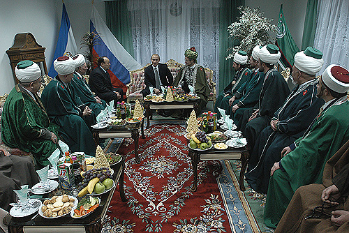 Putin_and_Muslim_religious_leaders_of_Bashkortostan