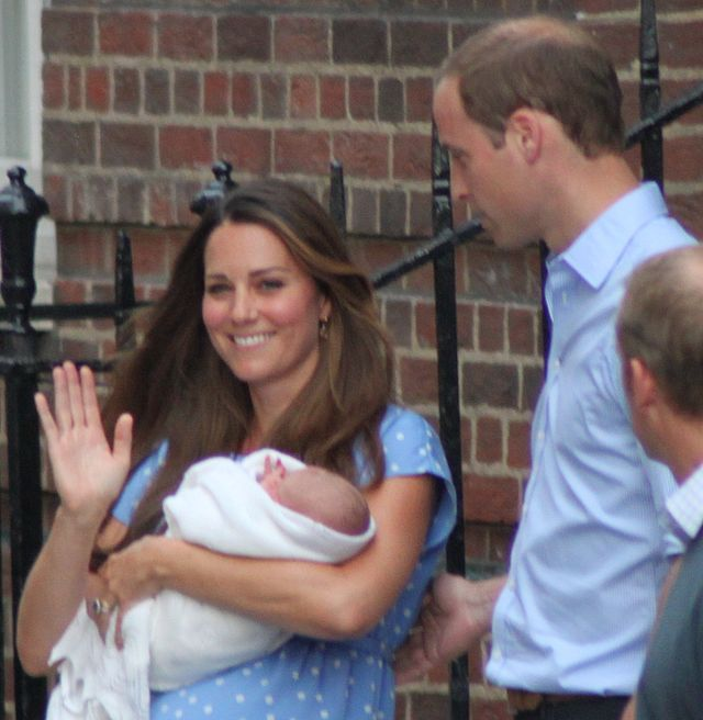 The_Duke_and_Duchess_of_Cambridge_with_Prince_George-crop
